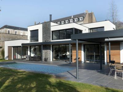 Auvent d'une maison d'habitation à Nantes